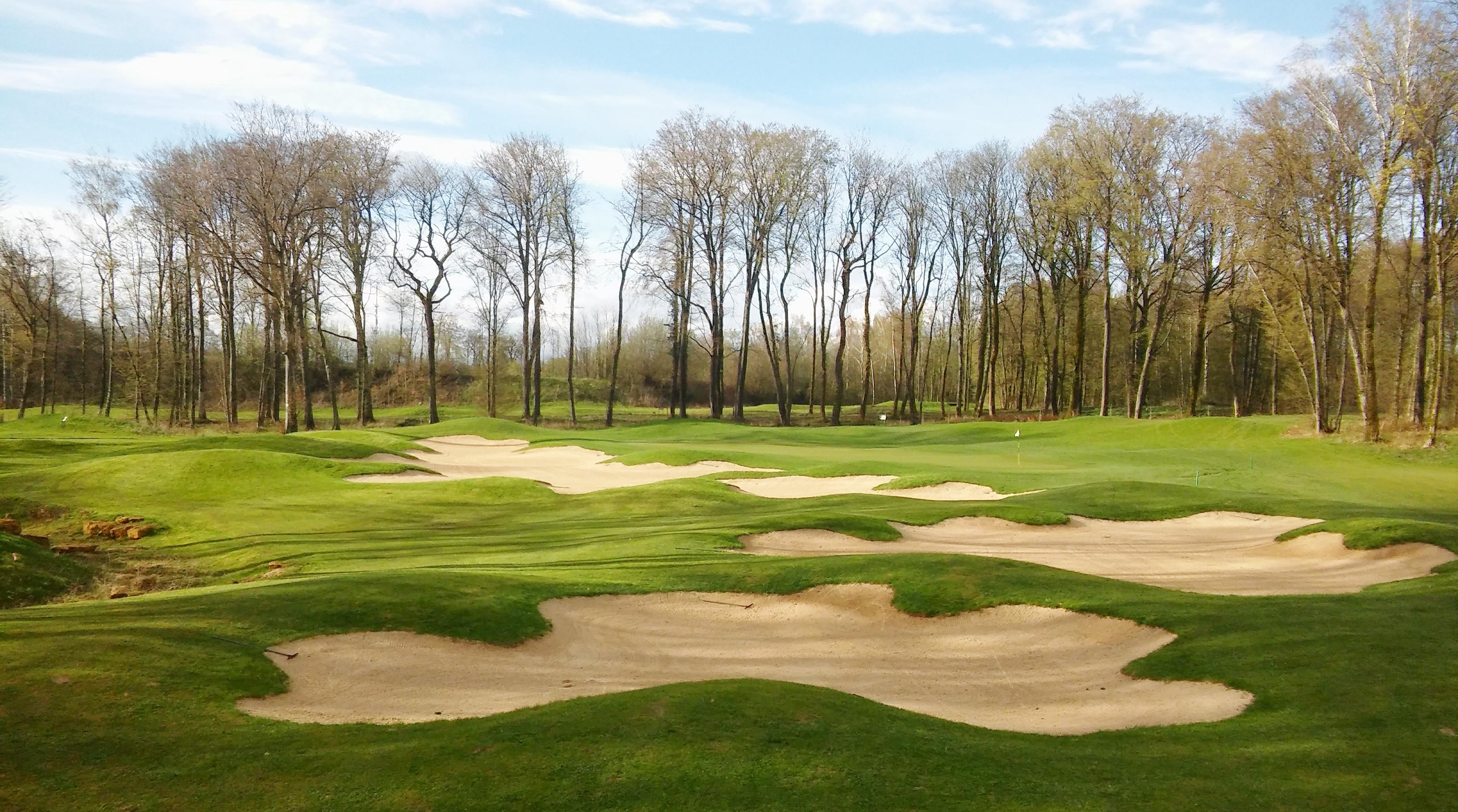 4.1_golf_intern._de_longwy_trou_6.jpg