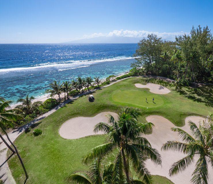 Un Golf sous les alizés : l'Exclusiv Golf Green Pearl Morea en Polynésie française.